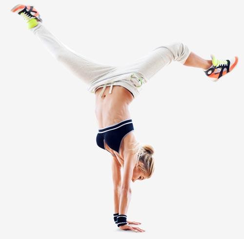 Wygimnastykowana kobieta podczas rehabilitacji