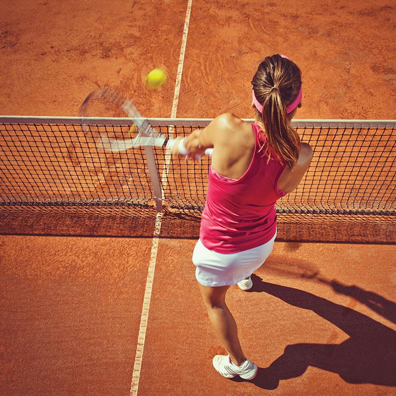 Grasz w tenisa?